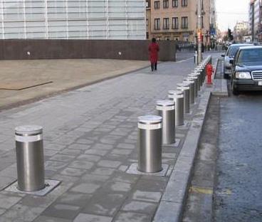 恒大城市之光   防撞反恐不锈钢路障